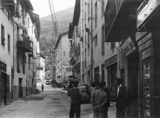 L'hotel Palacín (a dalt a l'esquerra)  l'any 1937   © Josep Claverol Sesplugues