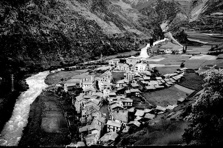 Vista de Sant Julià de Lòria l'any 1937 © Josep Claverol Sesplugues